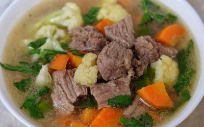 Resep Sayur Sop Daging, Masakan Rumahan Paling Populer