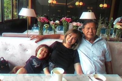 Tak Mau ke Rumah Sakit, Ayah Jessica Iskandar Jalani Pengobatan Alternatif