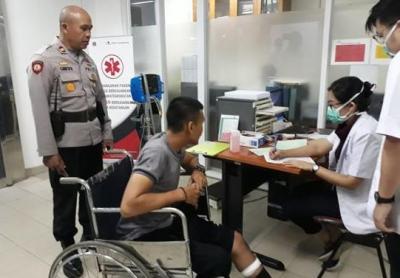 Polisi Luka Kena Bacok saat Bubarkan Tawuran di Daan Mogot