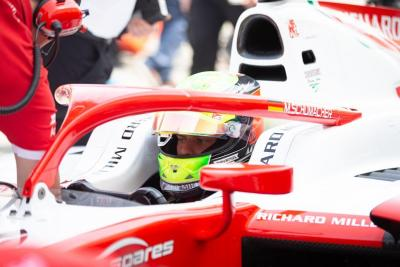 Mercedes Sebenarnya Ingin Rekrut Mick Schumacher
