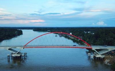 Papua Punya Jembatan Youtefa, Kalteng Ada Tumbang Samba