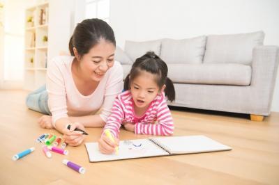 Weekend tapi Tak Bisa Kemana-mana, Buat Anak Betah di Rumah dengan 3 Cara Ini