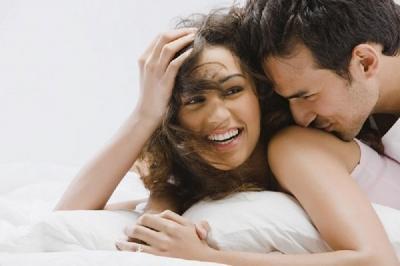 Tips Bercinta Suami Istri agar Tetap Aman di Tengah Pandemi Corona