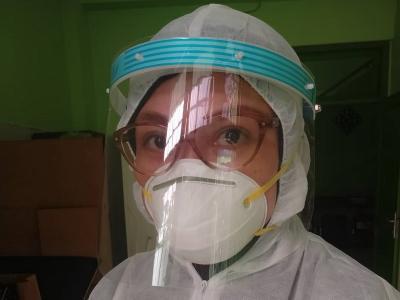 Istri Bani Seventeen Imbau Masyarakat Stop Gunakan Masker Bedah dan N95