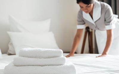 Cerita Dian, Jadi Petugas Laundry Hotel Tenaga Medis Corona COVID-19