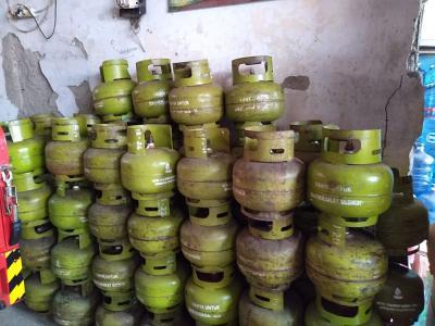 Gas Subsidi Langka Akibat Ulah Curang Para Penimbun, Warga Lebak Menjerit