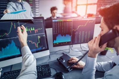 Bos OJK Sebut Pasar Modal Menunjukan Tanda-Tanda Rebound