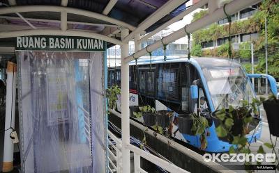 Cara Kurangi Risiko Penularan COVID-19 di Transjakarta