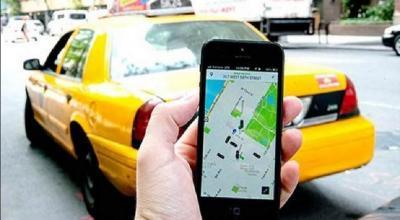 Naik Taksi dan Transportasi Online Efektif Cegah Penularan COVID-19?