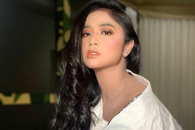 Dewi Perssik Kenang Jasa Glenn Fredly di Lagu Hikayat Cinta