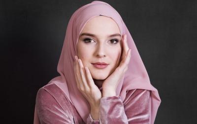 7 Cara Merawat Hijab Kesayangan agar Awet dan Enggak Apek