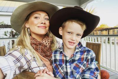 Unggah Foto Polos sang Putra, Hilary Duff Dituding Lakukan Perdagangan Seks