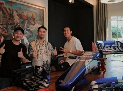 Raffi Ahmad Beli Sayap Mobil F1 Sean Gelael Seharga Rp1 Miliar