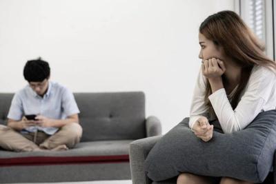 8 Tanda Hubungan Mulai Renggang, Hati-Hati Bubar