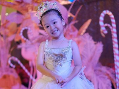 5 Potret Gemas Thalia Putri Onsu, Bergaya Princess hingga Drakor