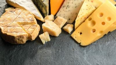 Kaya Kalsium, Ini 5 Manfaat Rutin Makan Keju bagi Tubuh