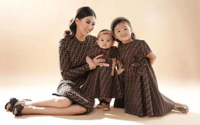 Thalia Putri Onsu Foto Bareng Sarwendah yang Pakai Dress Rp16 Jutaan, Mewah Ya
