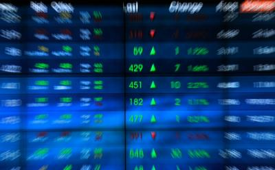 Rebound, IHSG Perkasa Naik 0,63% ke 4.948 Jelang Akhir Pekan