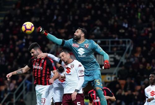 AC Milan vs Torino Masih Tanpa Gol di Babak Pertama